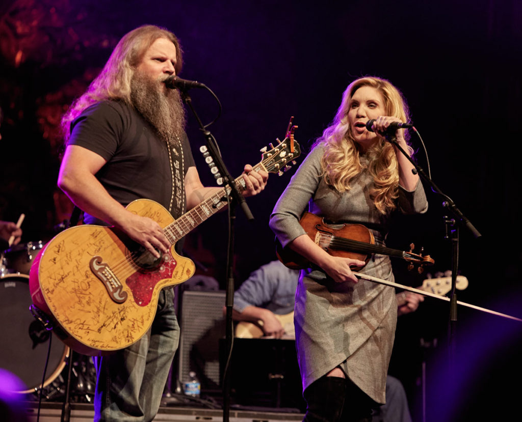 Jamey Johnson is joined by Allison Krauss